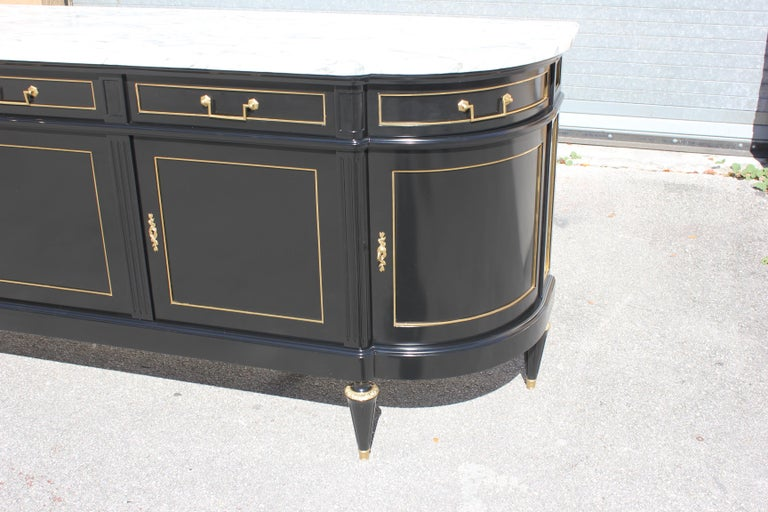 Beautiful Antique Sideboard or Buffet, circa 1910s For Sale 8