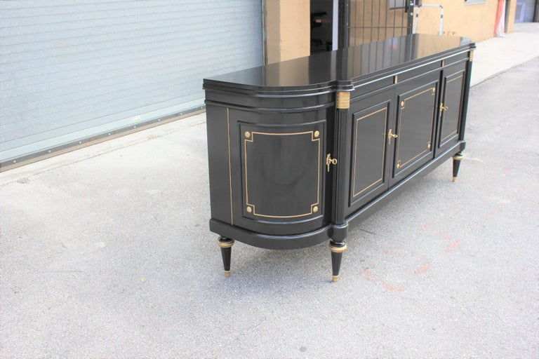 Beautiful French Louis XVI Antique Sideboard or Buffet, circa 1910s For Sale 10