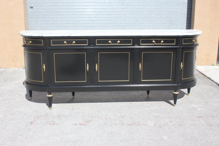 Louis XVI Beautiful Antique Sideboard or Buffet, circa 1910s For Sale
