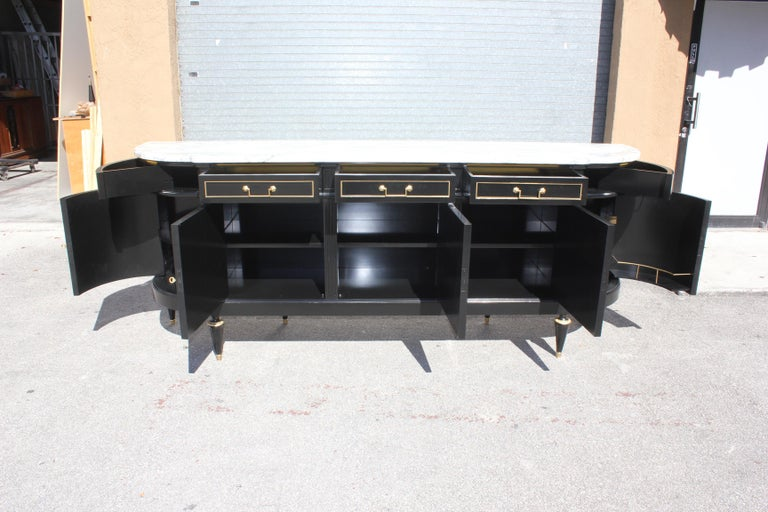 Beautiful Antique Sideboard or Buffet, circa 1910s In Good Condition For Sale In Hialeah, FL