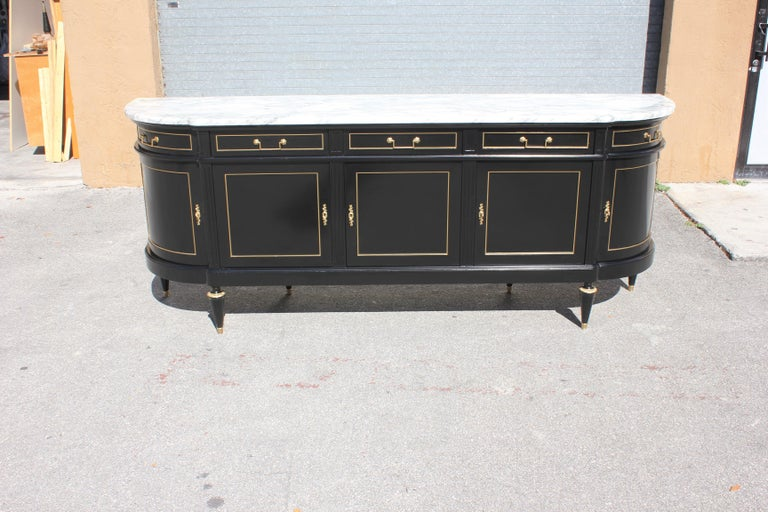 Beautiful Antique Sideboard or Buffet, circa 1910s For Sale 2