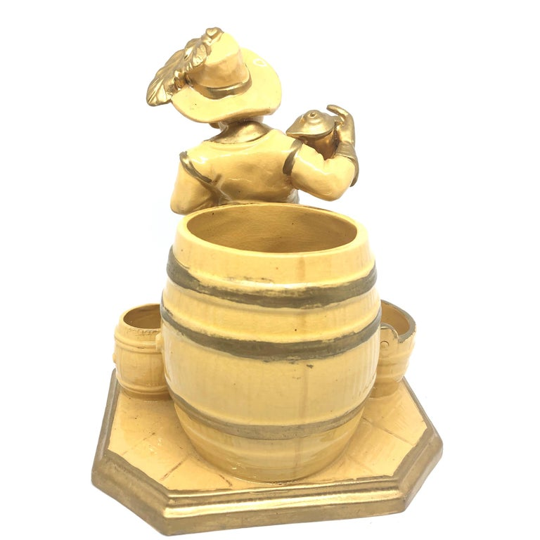 Beautiful Knight Ceramic Figural Catchall Statue, Antique German, 1890s In Good Condition For Sale In Nürnberg, DE