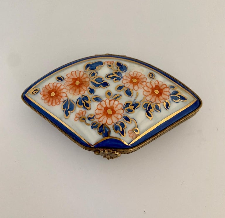 French Provincial Beautiful Limoges France Hand Painted Porcelain Fan Trinket Box For Sale