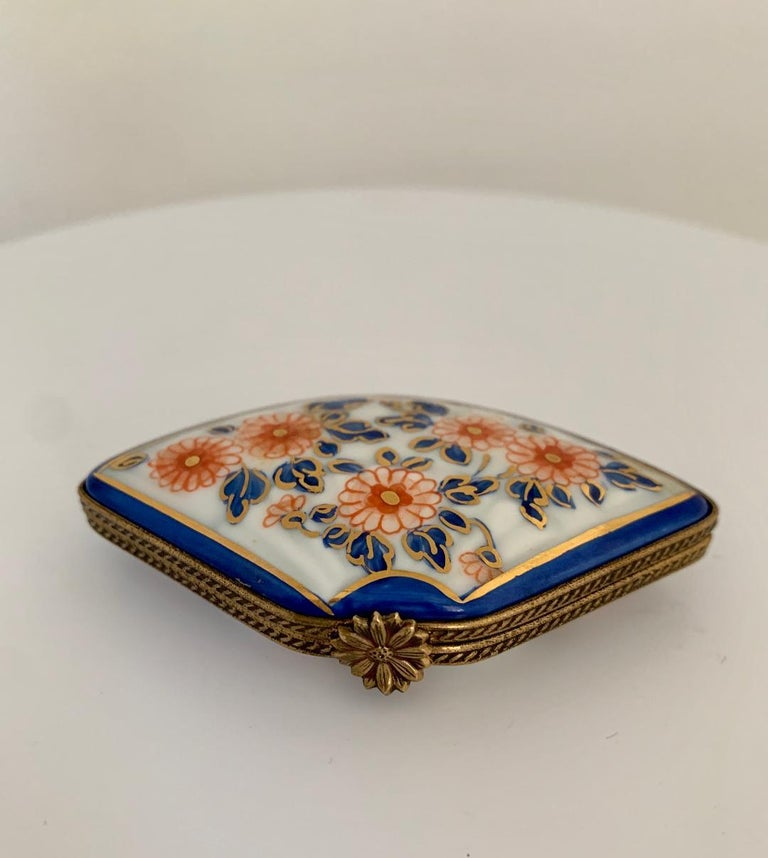 Hand-Painted Beautiful Limoges France Hand Painted Porcelain Fan Trinket Box For Sale