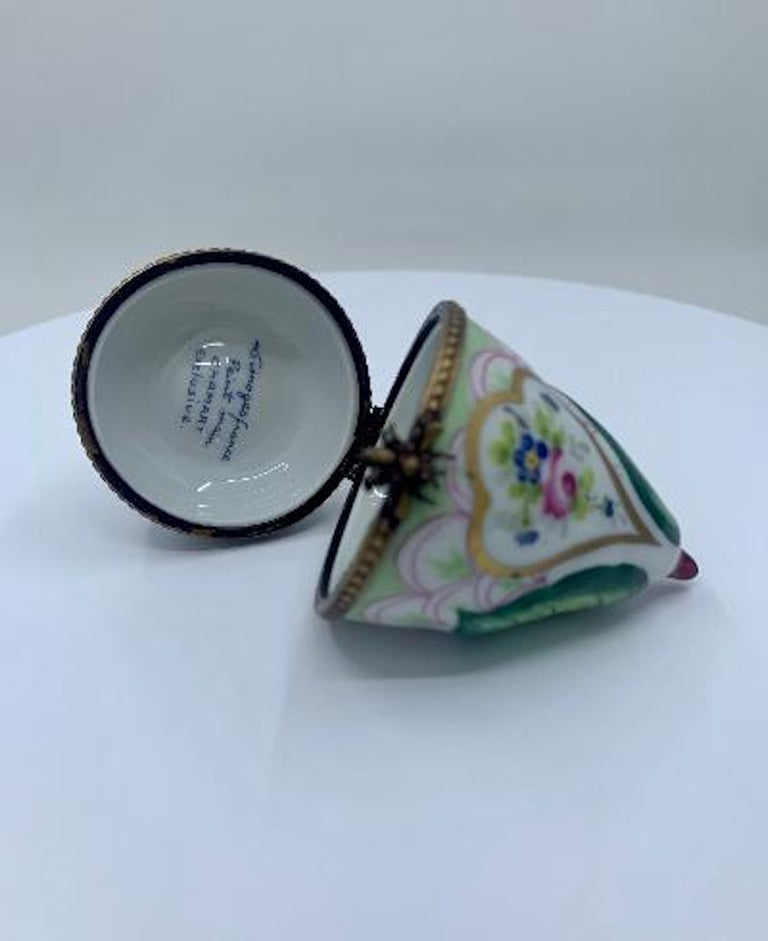 20th Century Beautiful Limoges France Hand Painted Porcelain Pear Box with Bee Closure For Sale