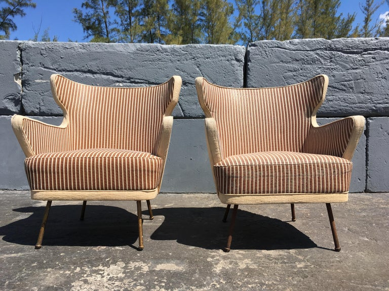 Beautiful pair of lounge chairs in the style of Gio Ponti. Made in Italy.