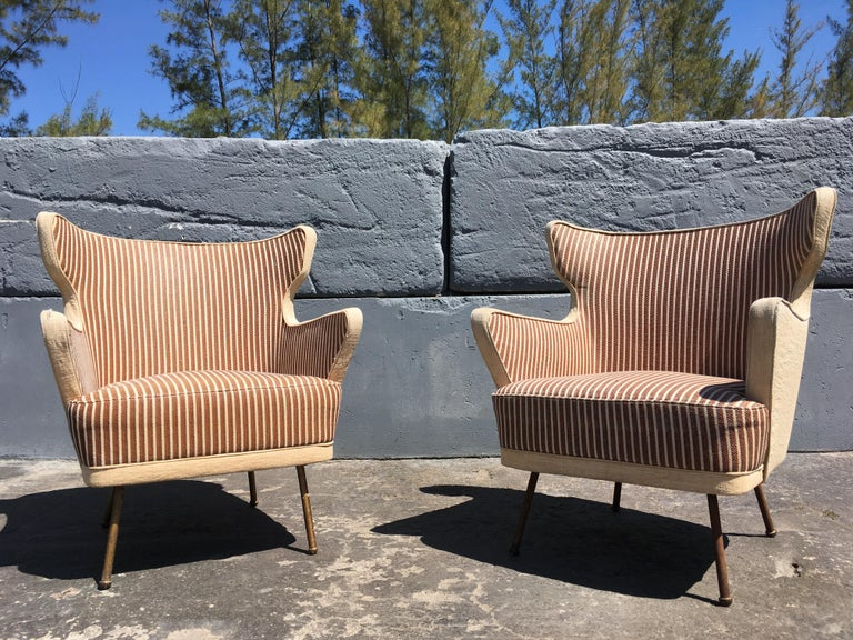 Modern Beautiful Lounge Chairs in the Style of Gio Ponti For Sale