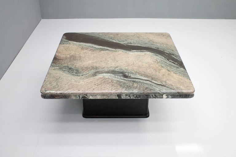 Beautiful Marble Coffee Table, Italy, 1970s For Sale 4