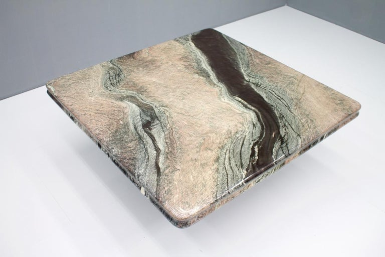 Mid-Century Modern Beautiful Marble Coffee Table, Italy, 1970s For Sale