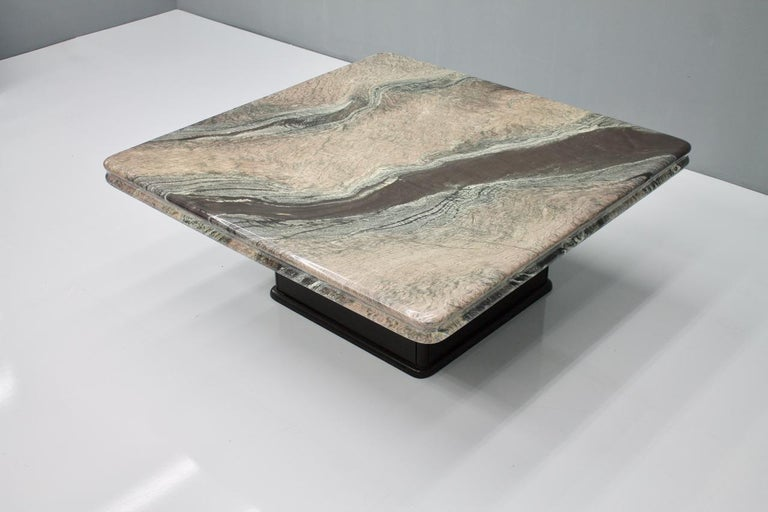 Beautiful Marble Coffee Table, Italy, 1970s In Good Condition For Sale In Frankfurt / Dreieich, DE
