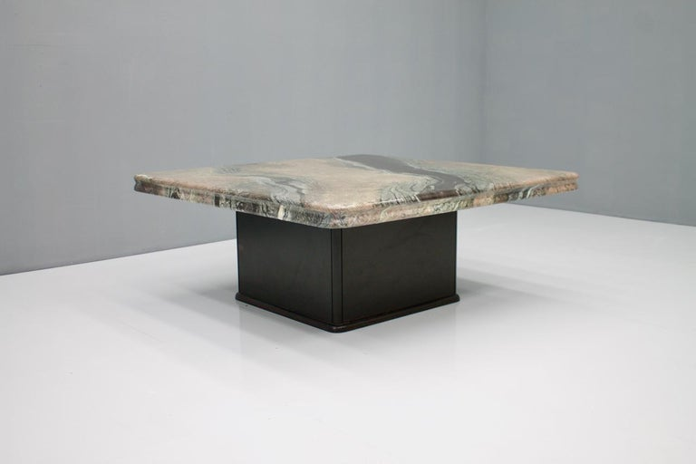 Late 20th Century Beautiful Marble Coffee Table, Italy, 1970s For Sale