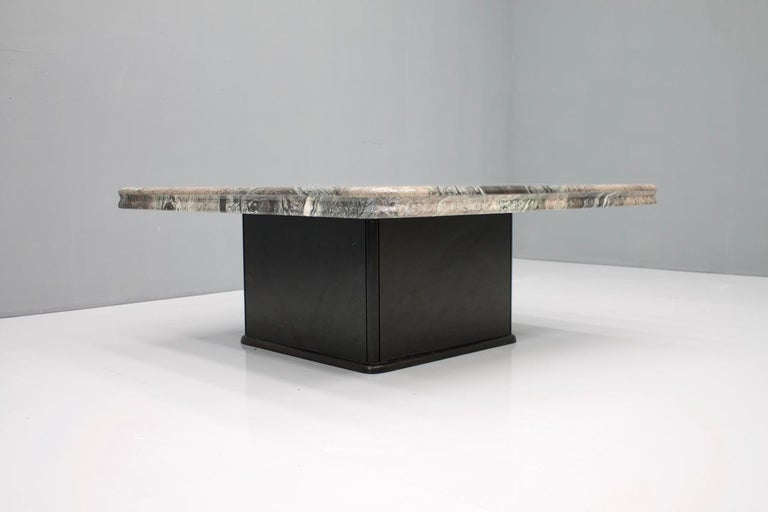 Beautiful Marble Coffee Table, Italy, 1970s For Sale 1