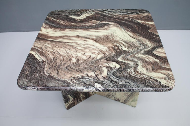 Beautiful Marble Side Table, Italy, 1980s In Good Condition For Sale In Frankfurt / Dreieich, DE