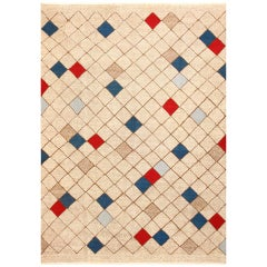 Beautiful Midcentury Swedish Kilim. Size: 7 ft x 9 ft 9 in (2.13 m x 2.97 m)