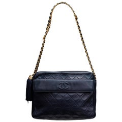 Beautiful midnight blue quilted leather bag, 1990s