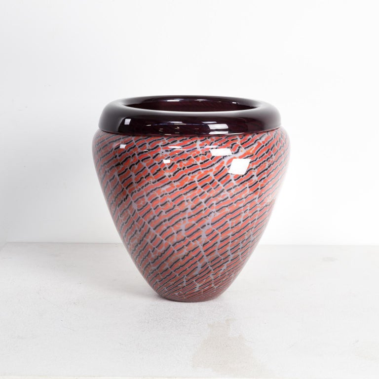 Beautiful Murano glass vase for Seguso. Good condition, consistent with age and use.