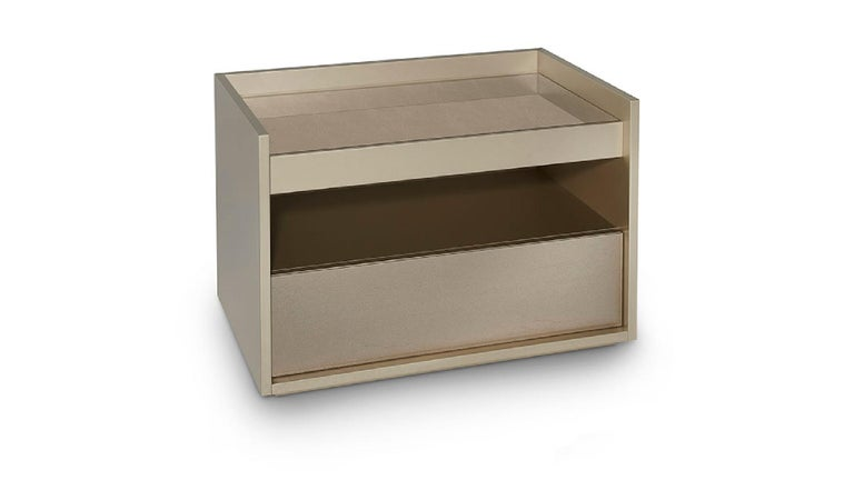 Other Beautiful Nightstand in Glossy Lacquer Finish Front Side and Top in Vetrite For Sale