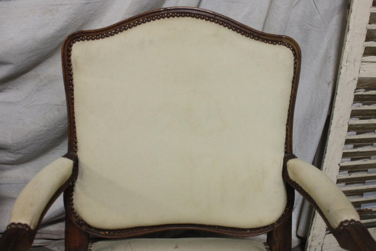 Beautiful Pair of 18th Century French Armchairs For Sale 2