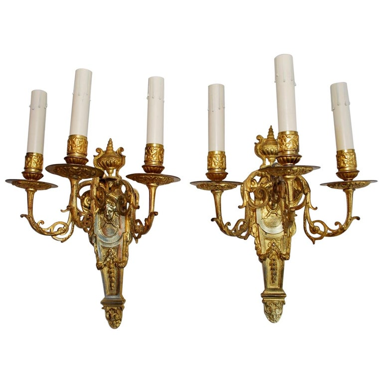 Beautiful Pair of French Late 19th Century Bronze Sconces For Sale