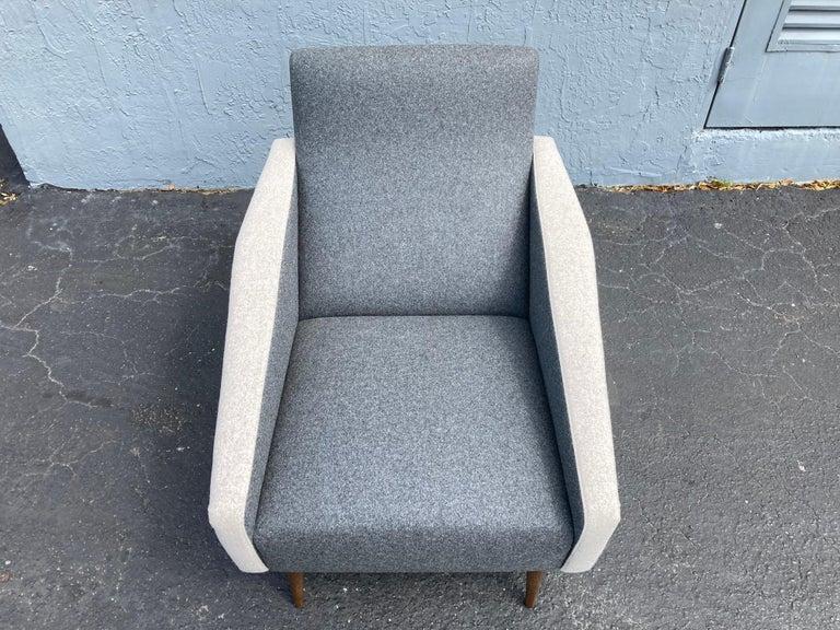 Beautiful Pair of Lounge Chairs, Kvadrat Fabric, Oak Legs, Gray For Sale 7