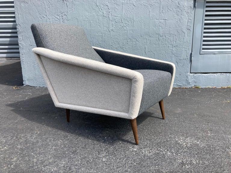 Beautiful Pair of Lounge Chairs, Kvadrat Fabric, Oak Legs, Gray For Sale 8