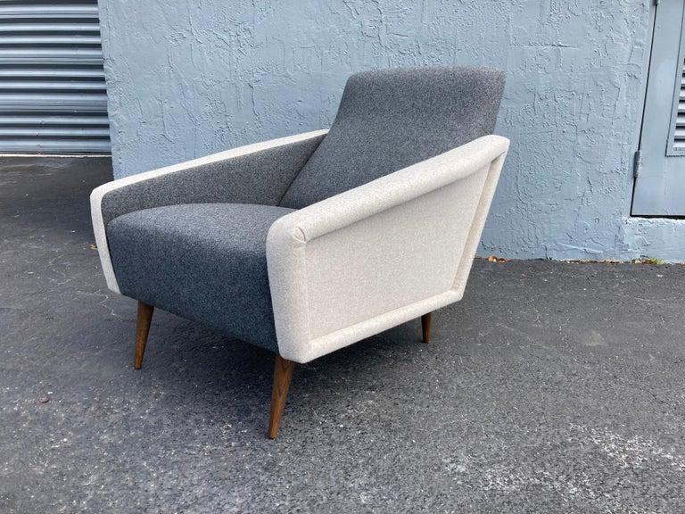 Beautiful Pair of Lounge Chairs, Kvadrat Fabric, Oak Legs, Gray For Sale 9