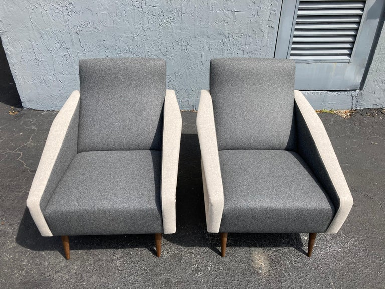 Mid-Century Modern Beautiful Pair of Lounge Chairs, Kvadrat Fabric, Oak Legs, Gray For Sale
