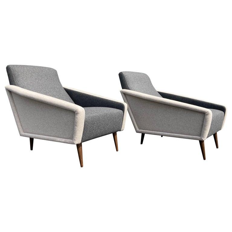 Beautiful Pair of Lounge Chairs, Kvadrat Fabric, Oak Legs, Gray For Sale