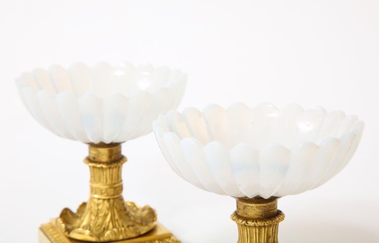 Beautiful Pair of Russian Imperial Glass and Ormolu Mounted Tazza Centerpieces For Sale 1