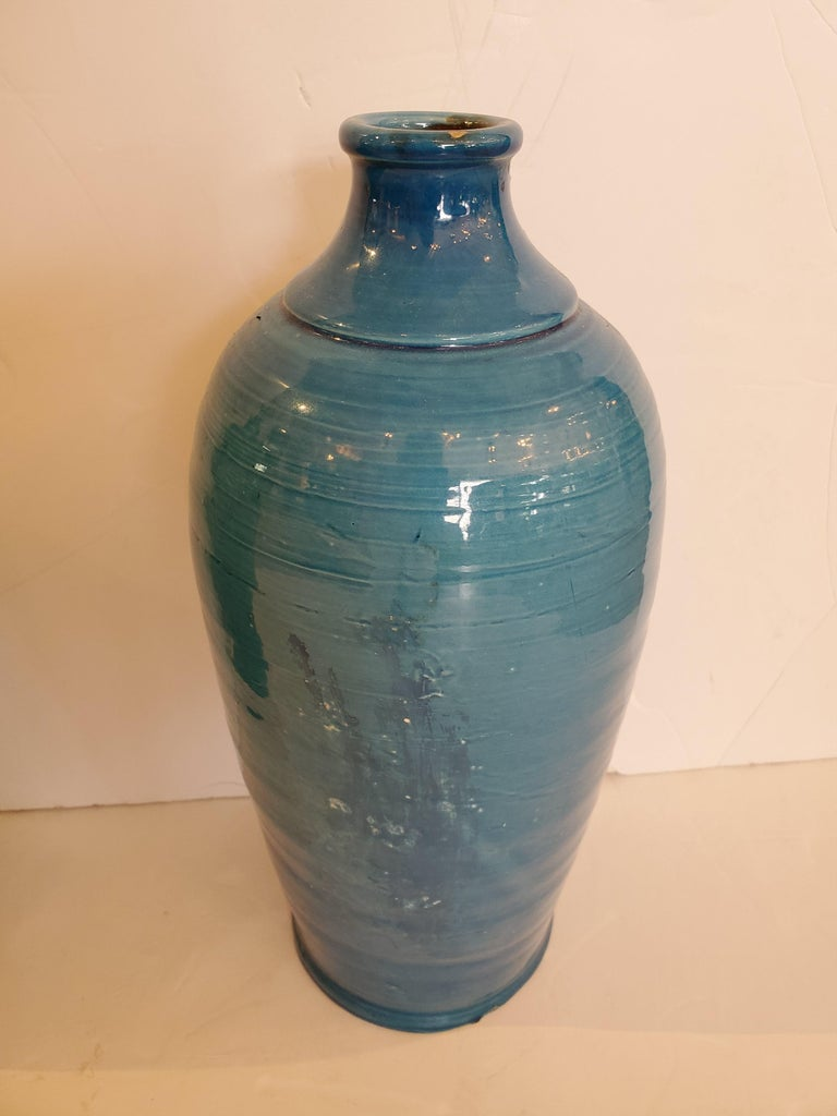 Beautiful Pair of Turquoise Italian Ceramic Vases In Good Condition For Sale In Hopewell, NJ