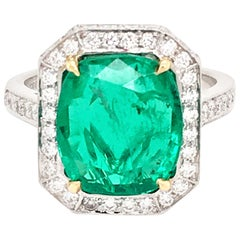 Beautiful Platinum Emerald and Diamond Ring