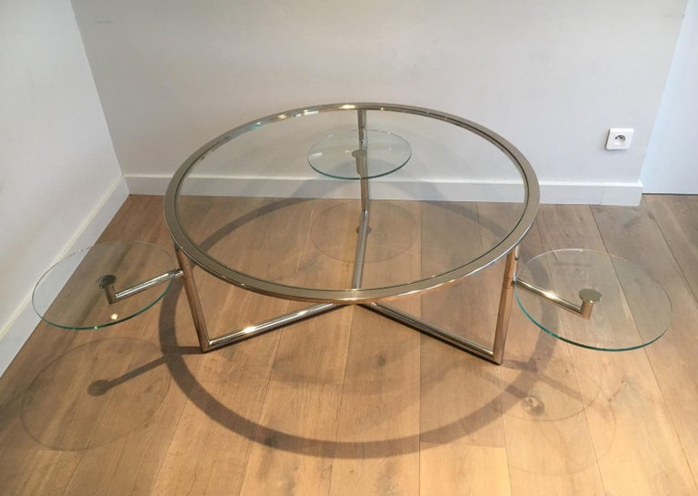 Beautiful Rare Round Chrome Coffee Table with Removable Round Glass Shelves In Good Condition For Sale In Marcq-en-Baroeul, FR