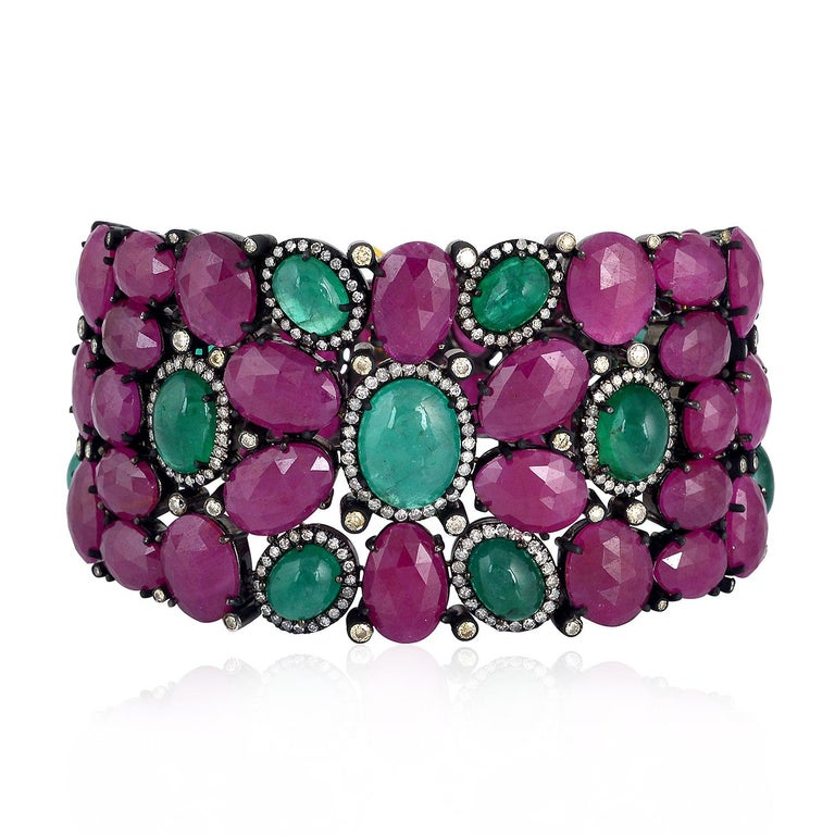 Modern Beautiful Ruby and Emerald Cabochon Bracelet For Sale