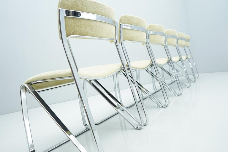 Mid-Century Modern Beautiful Set of Six Dining Chairs in Chrome and Velvet, Italy, 1970s For Sale