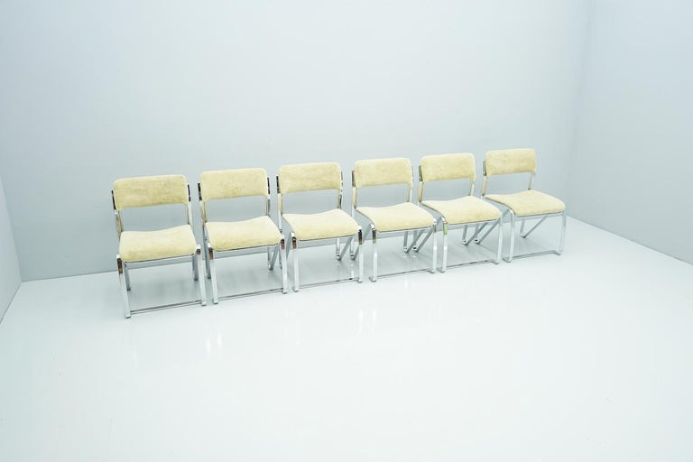 Beautiful Set of Six Dining Chairs in Chrome and Velvet, Italy, 1970s For Sale 2