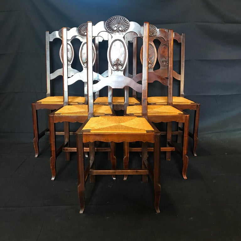 Beautiful Set of Six French Country Carved Walnut and Rush Dining Chairs In Good Condition For Sale In Hopewell, NJ