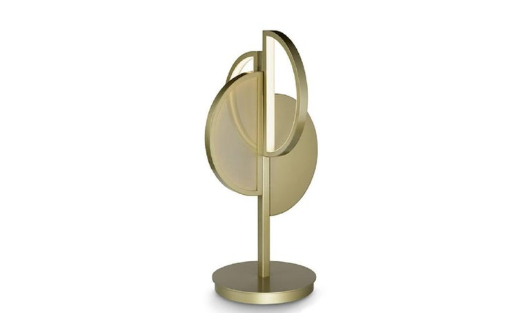 Modern Beautiful Table Lamp Brass Frame Champagne or Nichel Finish Vetrite Insert For Sale