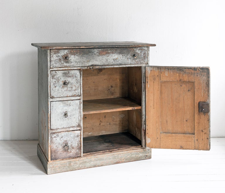 Softwood Beautiful Simple Swedish Early 19th Century Cabinet in Original Paint For Sale