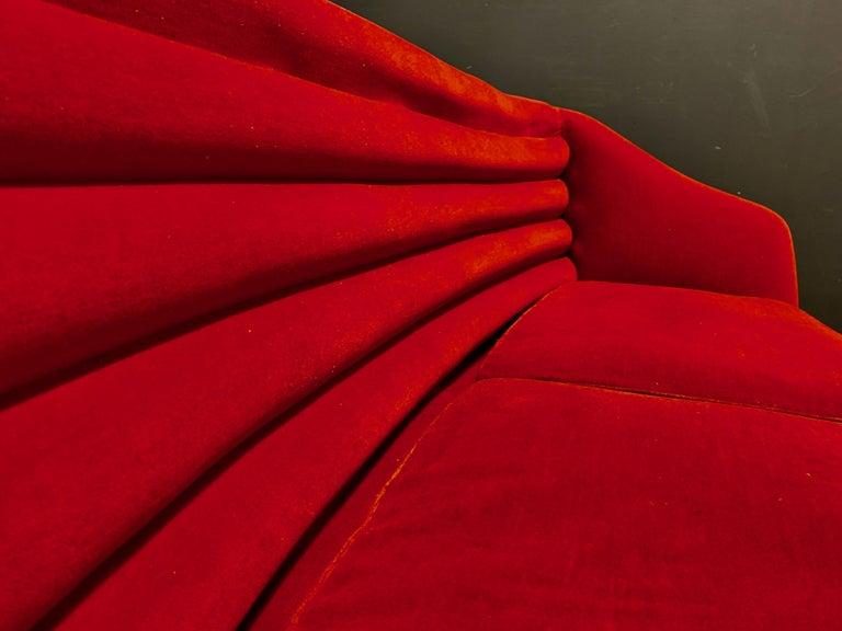 Beautiful Sofa Attributed to Andrea Busiri Vici For Sale 7