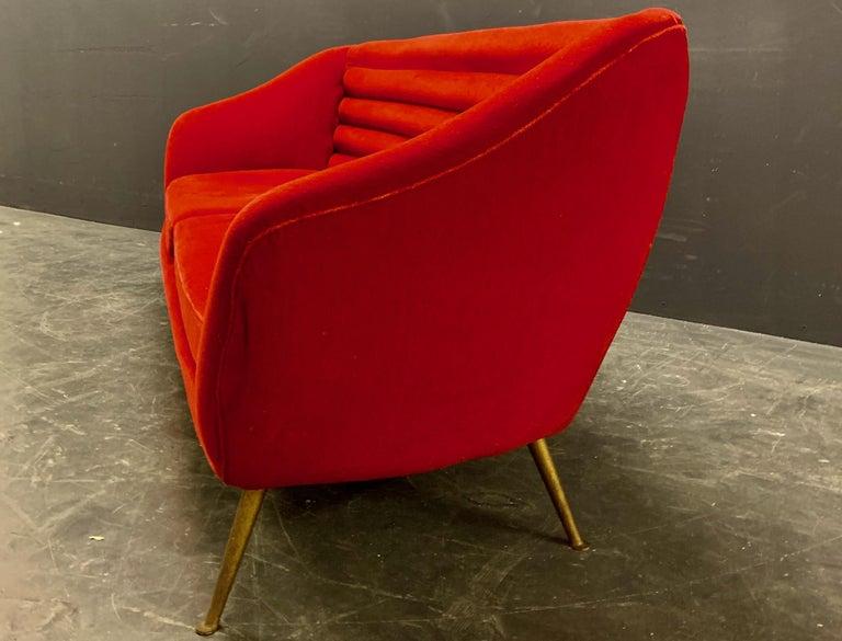 Beautiful Sofa Attributed to Andrea Busiri Vici For Sale 2