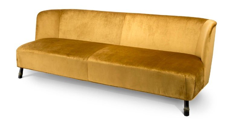 Italian Beautiful Sofa Made of Solid Timber and Poplar Plywood Tapered Legs For Sale