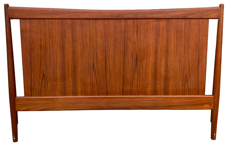Beautiful Solid Teak Danish Mid-Century Modern Full Headboard Bedframe For Sale 2