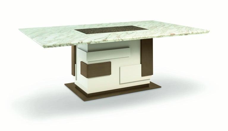 Italian Beautiful Table Top Calacatta Gold Marble Base Polish Lacquered Finish For Sale