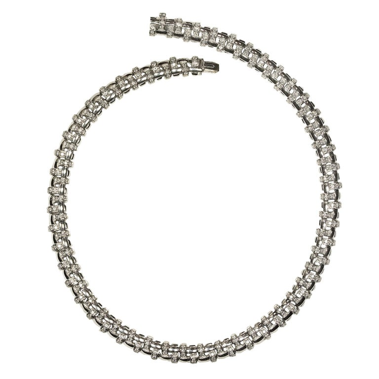 Round Cut Tiffany & Co. Lattice 18k Gold and Diamond Necklace, Bracelet & Earring Suite For Sale