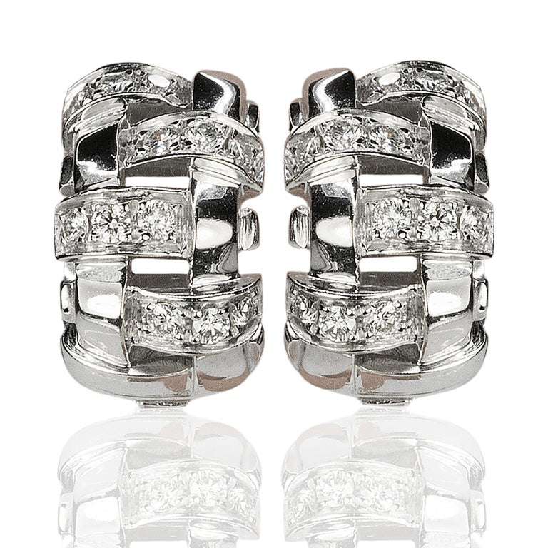 Women's or Men's Tiffany & Co. Lattice 18k Gold and Diamond Necklace, Bracelet & Earring Suite For Sale