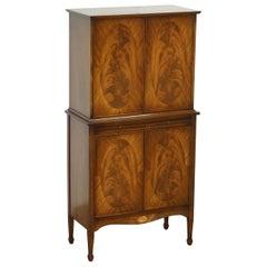 Beautiful Very Fine Sheratin Revival Flamed Mahogany & Satinwood Drinks Cabinet