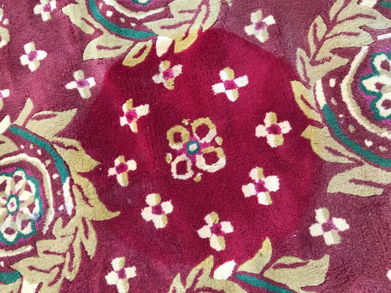 Beautiful Vintage Aubusson Design Hand Tufted Rug In Good Condition For Sale In Saint Ouen, FR