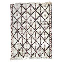 Beautiful Vintage Moroccan Beni Ouarain Rug