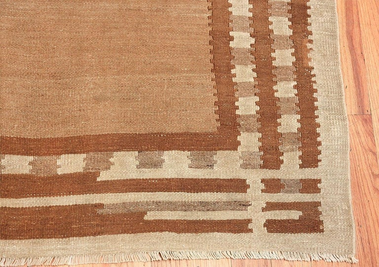 Wool Beautiful Vintage Scandinavian Swedish Kilim Rug. Size: 5 ft 4 in x 7 ft 2 in For Sale