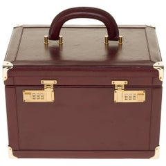 Beautiful Vintage Vanity Case Cartier in burgundy leather and brass